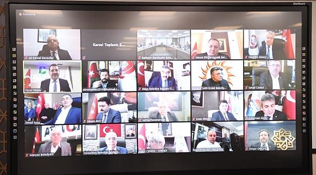 Çevre Bakanı Kurum, Balıkesir Belediye Başkanlarıyla video konferansla görüştü