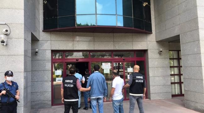Balıkesir'de 4 uyuşturucu taciri yakalandı