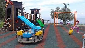 Burhaniye Belediyesi çocukları sevindirdi