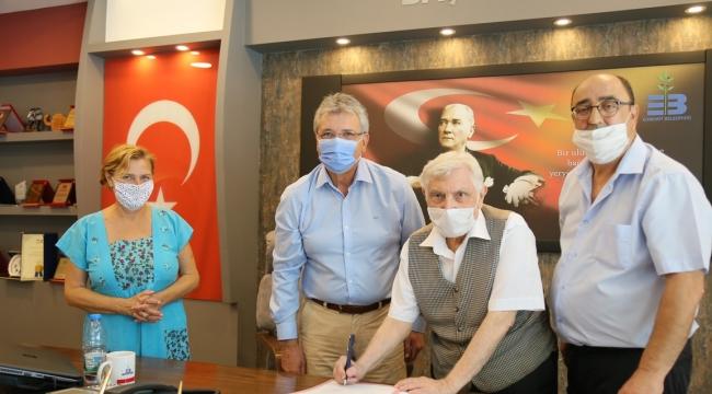 Edremit'te Sağdıç ailesi tarihi evi Belediyeye bağışladı